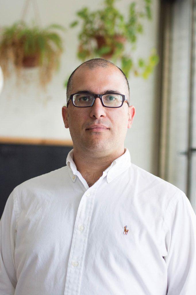עו״ד אבי חסון, מתמחה בדיני תכנון ובניה, התחדשות עירונית ומקרקעין