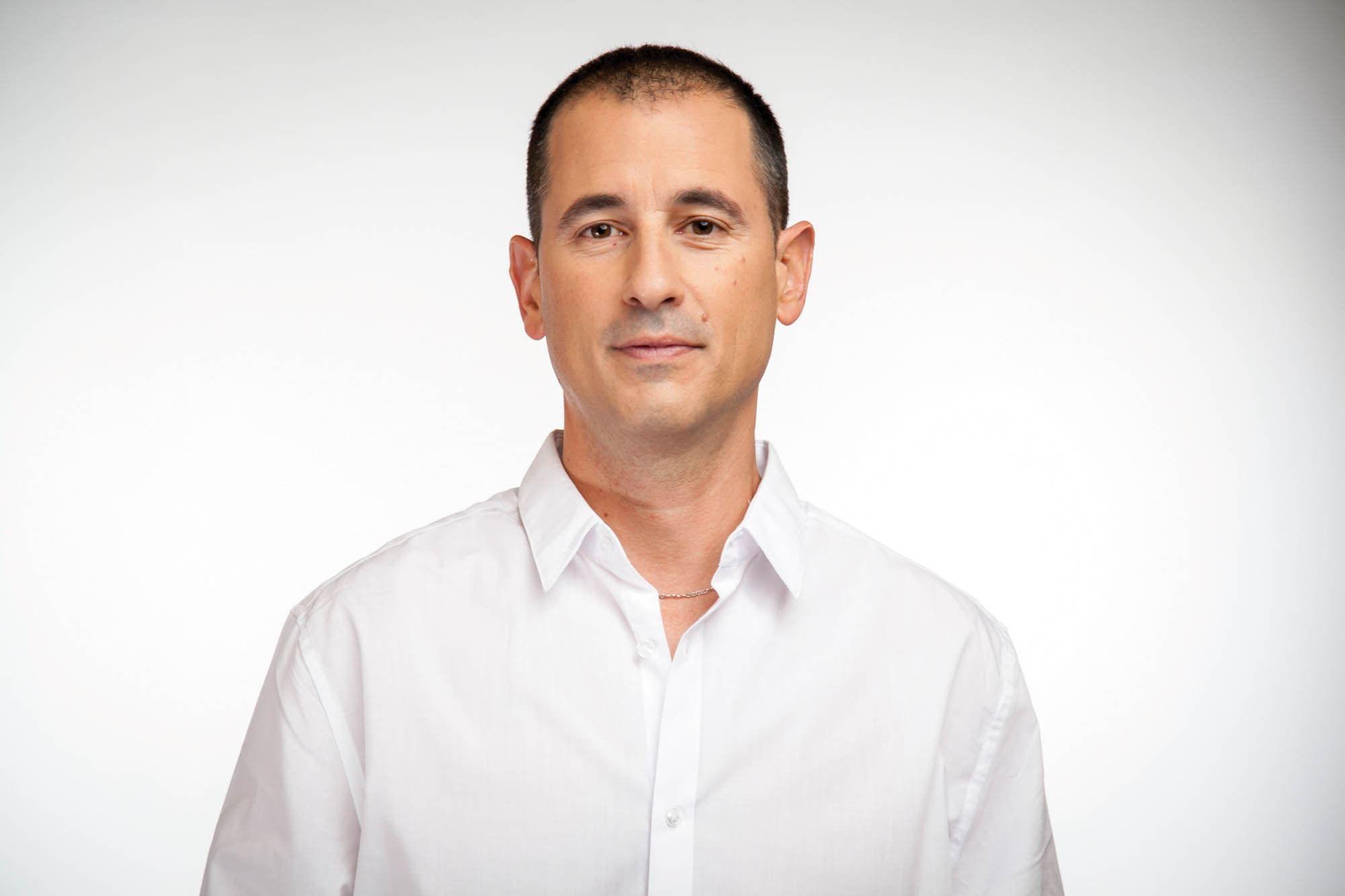 אסף כהנר, מנכ״ל חטיבת השיווק: ewave