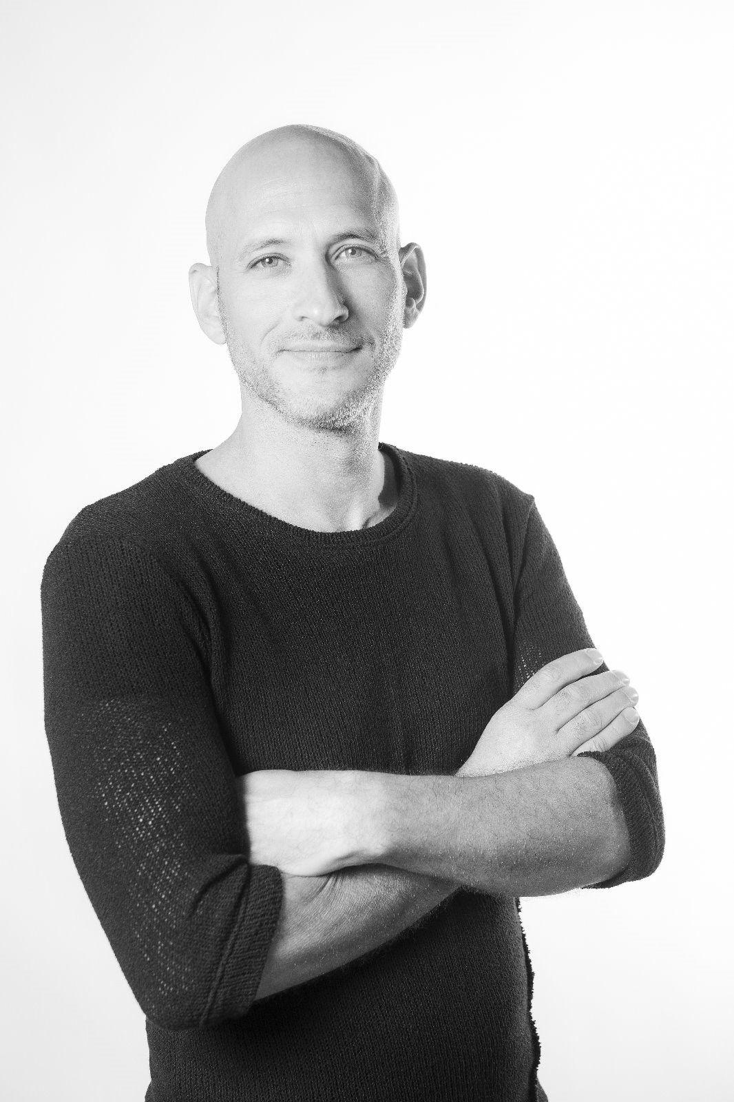 מעצב הפנים ניצן הורוביץ, צילום רויטל מיקלס