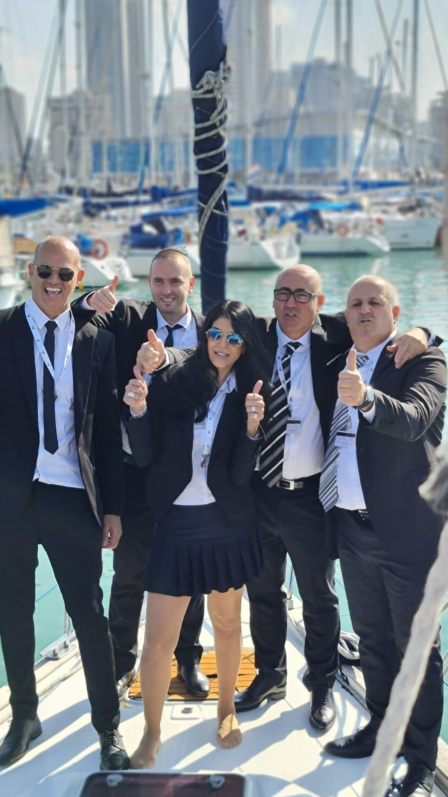 דיקלה פור והצוות המנצח!