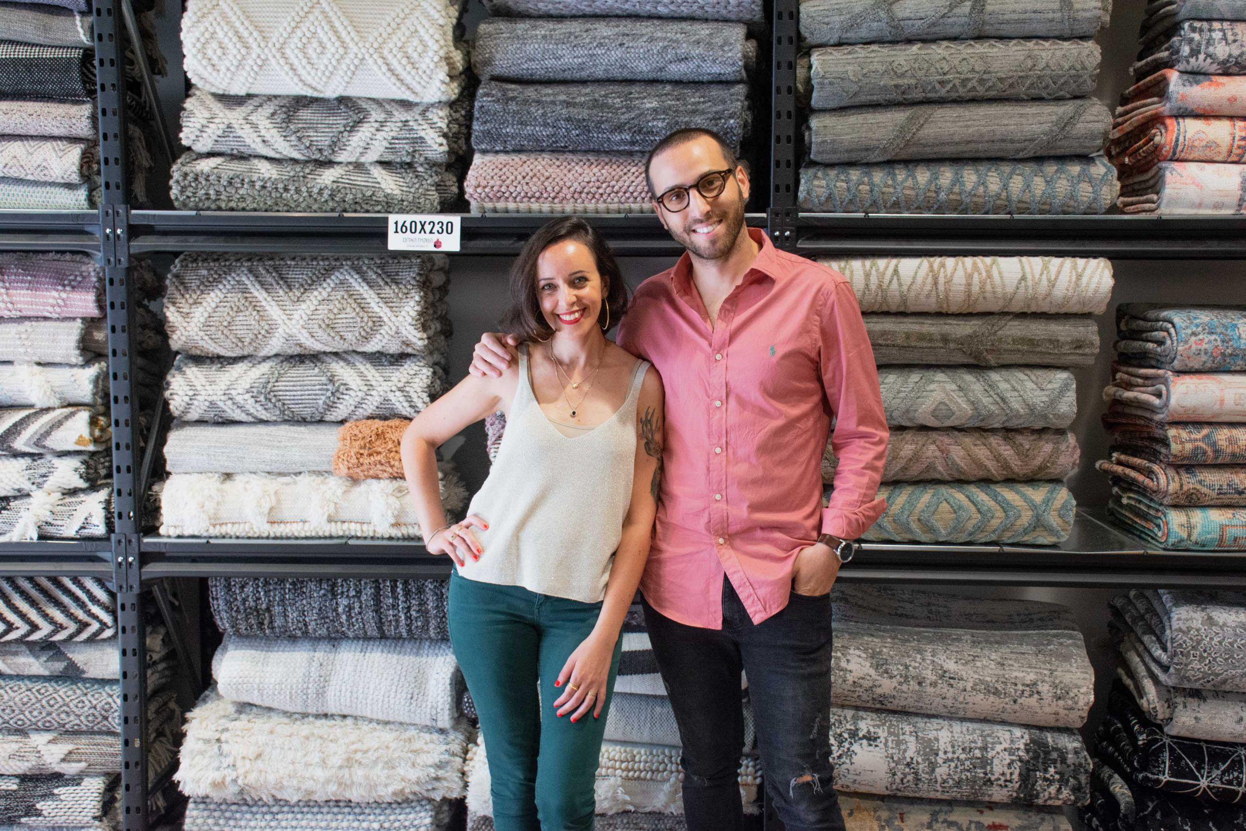 מימין- אלון בבג'ני- מנכל ומבעלי רשת השטיח האדום וסיון קונוולינה- יזמית ומעצבת, צילום אלונה פורוז'ניאק